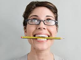 ceruza a szájban